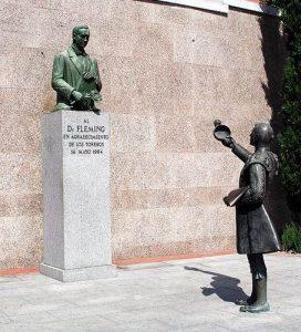 Monumento a Alexander Fleming en la plaza de toros de las ventas de Madrid